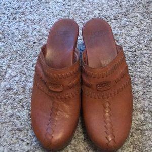 ugg brown clogs